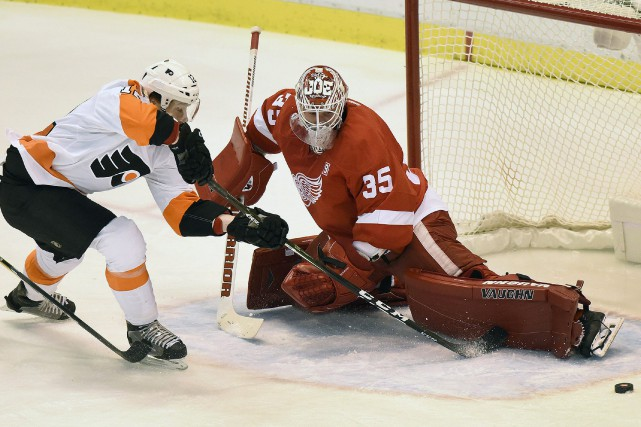 Brayden Schenn a touché la cible à 2:44 de la prolongation, permettant aux... (Photo AP)