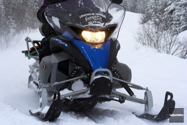 Les monts Valin ont accueilli de nombreux motoneigistes, cette fin de semaine.... (Archives Le Quotidien)