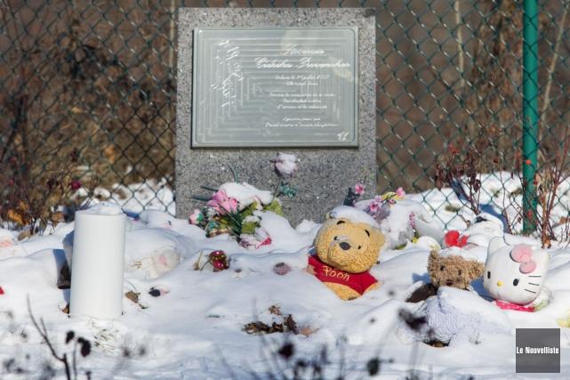 Sous la neige des derniers jours, des centaines... (Olivier Croteau, Le Nouvelliste)