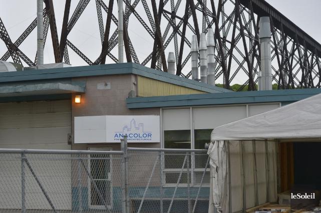 Située sous le pont ferroviaire de Cap-Rouge, Anacolor... (Photothèque Le Soleil, Yan Doublet)
