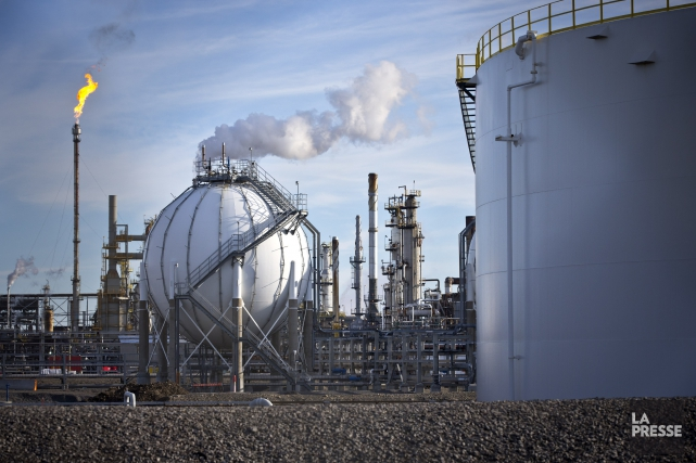 Les compagnies pétrolières de l'Ouest canadien commencent à... (Archives La Presse)
