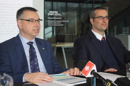 Le maire deVictoriaville,André Bellavance, et son directeur général,...