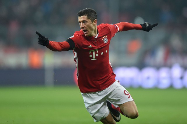 Robert Lewandowski... (Photo Christof Stache, archives AFP)