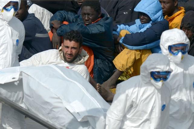 Le capitaine du bateau à bord duquel plus... (AFP, Matthew Mirabelli)