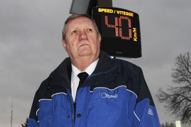 Bob Monette veut inciter les automobilistes à respecter... (Etienne Ranger, Le Droit)
