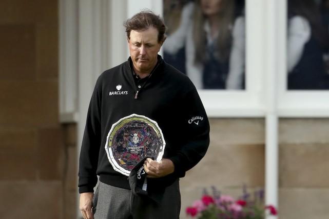 Phil Mickelson n'a pas gagné un titre depuis... (archives Associated Press)