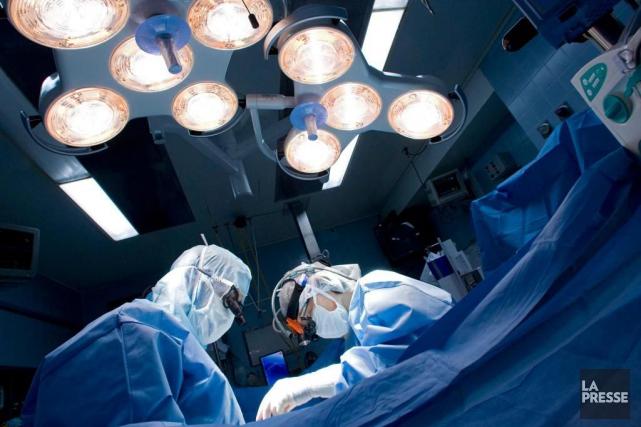 Dans certains établissements, comme à l'Hôpital de Montréal... (Photo Ivanoh Demers, archives La Presse)