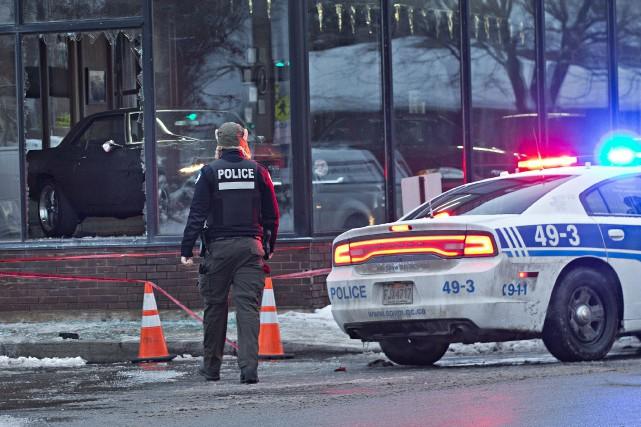 Les pompiers ont été appelés sur les lieux... (Photo Patrick Sanfaçon, La Presse)