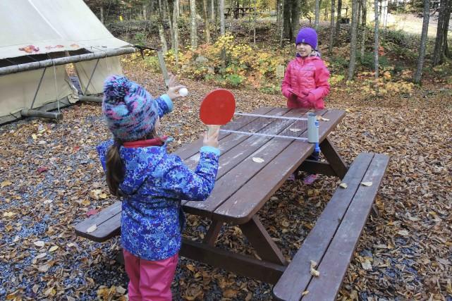 Jeau deping-pong de camping... (Collaboration spéciale Jean-Sébastien Massicotte)