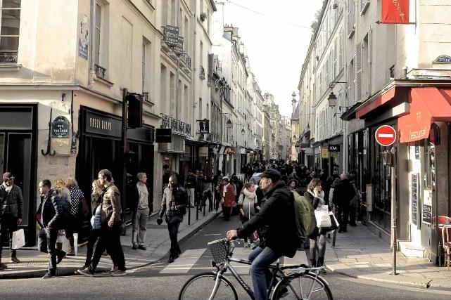 Rue des Francs-Bourgeois, dans le Marais... (La Presse, Jean-Christophe Laurence)