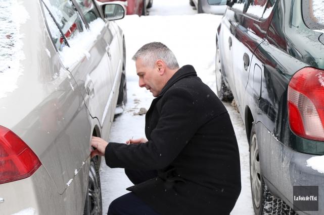 Tous les véhicules inspectés par le spécialiste de... (Janick Marois, La Voix de l'Est)