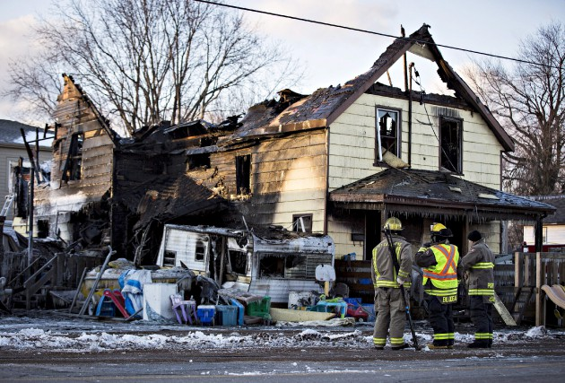 Les pompiers ont été prévenus du sinistre en... (Aaron Lynett, La Presse canadienne)
