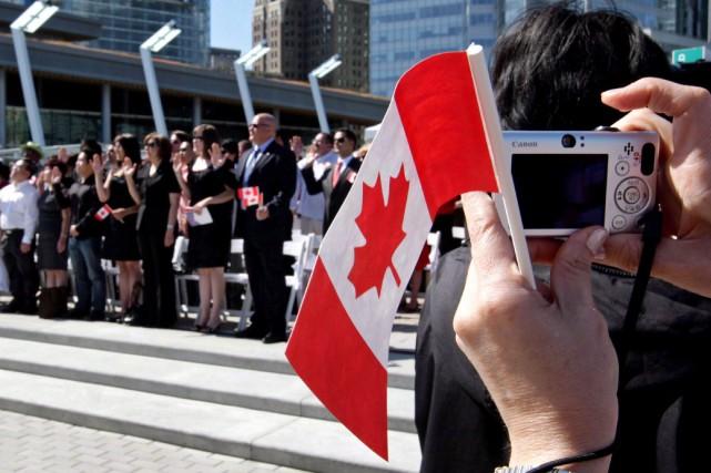 Ceux qui veulent faire venir un parent ou... (La Presse canadienne, Darryl Dyck)