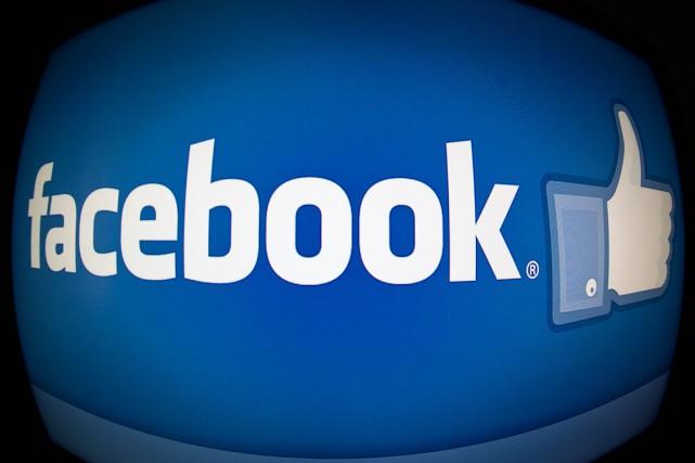 Facebook teste actuellement sur un nombre limité de... (Archives, Agence France-Presse)