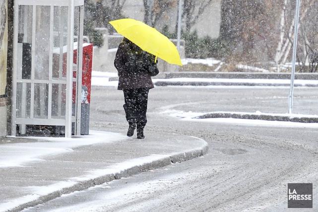 Un cocktail météo où se mélangent neige, pluie verglaçante et grésil risque... (Photo Archives La Presse)