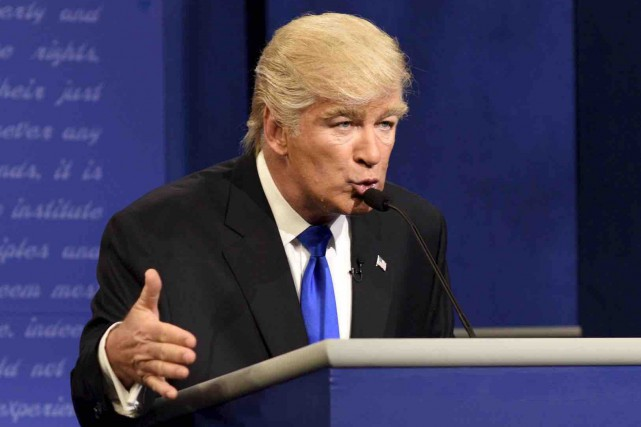 Alec Baldwin imitant Donald Trump à Saturday Night... (Archives AP)