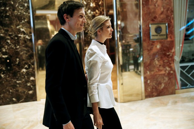 Ivanka Trump et Jared Kushner sont photographiés entrant... (photo Mike Segar, archives REUTERS)