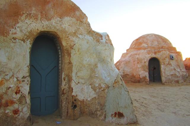 Les décors abandonnés de la cité fictive de... (La Tribune, Jonathan Custeau)