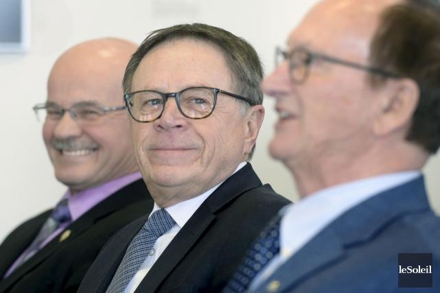 Les maires de la Chaudière-Appalaches, dont Gilles Lehouillier,... (Le Soleil, Jean-Marie Villeneuve)