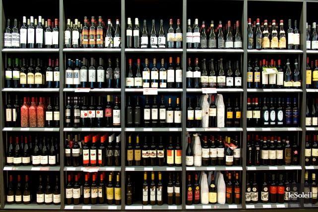 Chez Metro, les vins québécois, dont ceux du... (Photothèque Le Soleil)