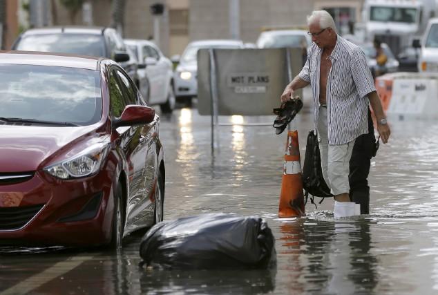 Les inondations en Floride auraient été accentuées par... (AP)