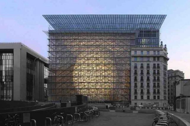 Érigé à Bruxelles, le bâtiment Europa est une... (Tirée du site samynandpartners.com)