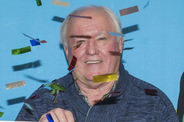 Marcel Spénard a eu droit à des confettis... (Photo fournie par Loto-Québec)