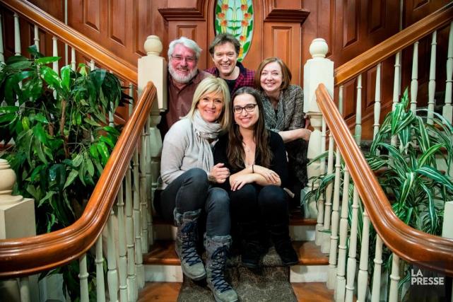 Stéphanie Lachance (à droite, au premier plan) une... (PHOTO ALAIN ROBERGE, LA PRESSE)