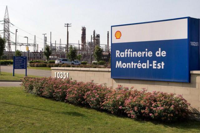 La raffinerie de Shell à Montréal-Est a fonctionné... (Photo Robert Skinner, Archives La Presse)