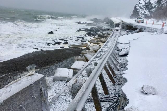 La mer a emporté une partie de la... (Fournie par la Sûreté du Québec)