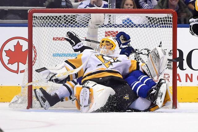 Jake Gardiner a touché la cible en prolongation, aidant les Maple Leafs de... (Photo USA Today Sports)