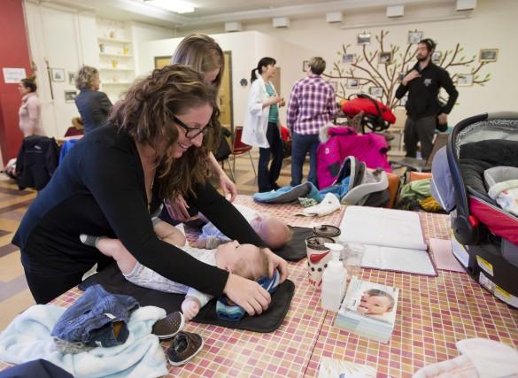 Les ateliers Bébé Trucs, rendez-vous hebdomadaires qui permettent... (Spectre Média, Jessica Garneau)