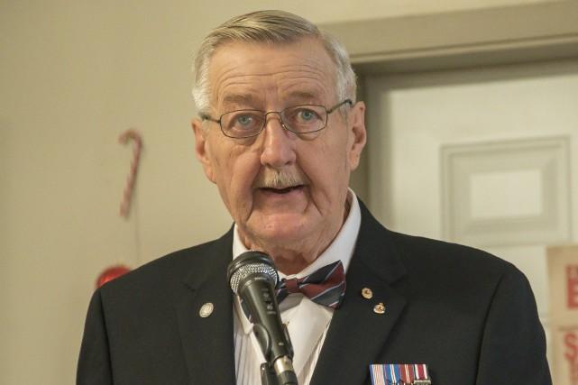 Le président du Comité des vétérans de l'unité... (Spectre Média, Marie-Lou Béland)