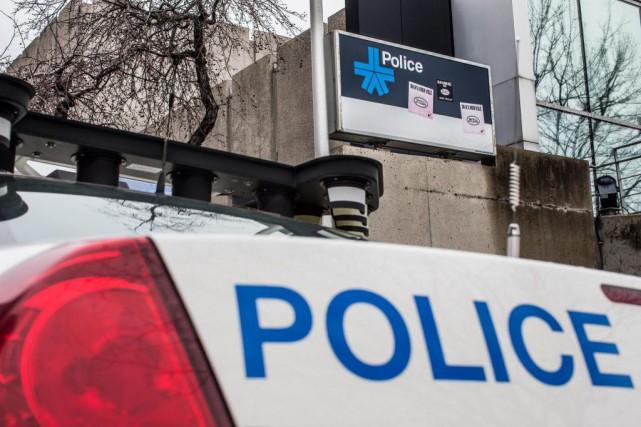 Deux des cinq policiers du SPVM visés dans... (PHOTO OLIVIER PONTBRIAND, archives LA PRESSE)