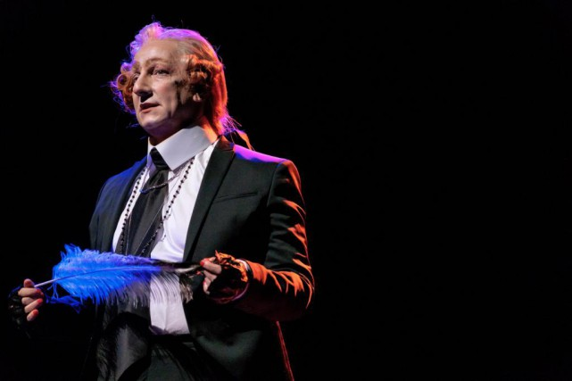 Robert Lepage dans Quills... (Photo Stéphane Bourgeois, fournie par le Trident)
