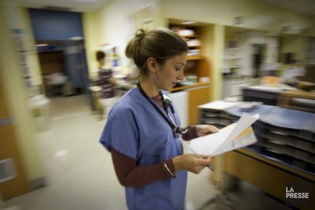 Les malades de plus de 65 ans hospitalisés ont moins de risques de décéder... (Photo André Pichette, archives La Presse)