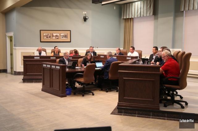Les membres du conseil municipal de Granby.... (Julie Catudal, archives La Voix de l'Est)