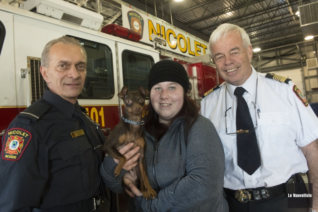 Un chien a été sauvé lors d'un incendie... (Stéphane Lessard, Le Nouvelliste)