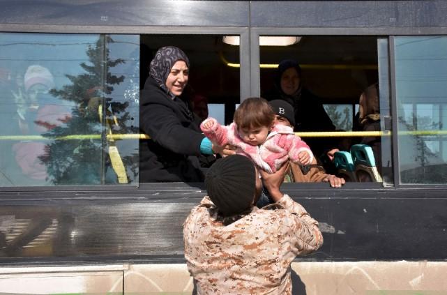 La moitié de la population syrienne est déracinée... (AFP, George Ourfalian)