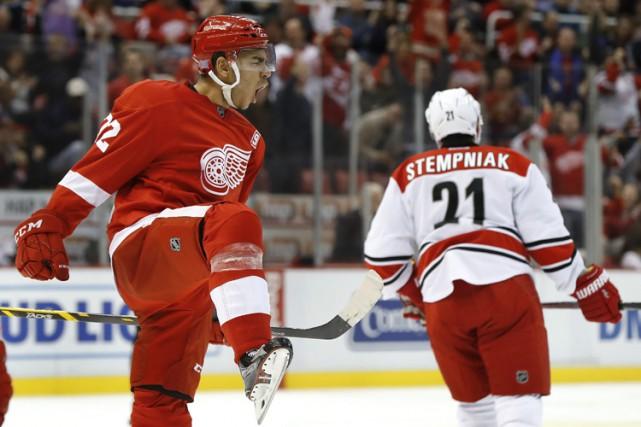 Les Red Wings ont défait les Hurricanes lors... (PHOTO AP)