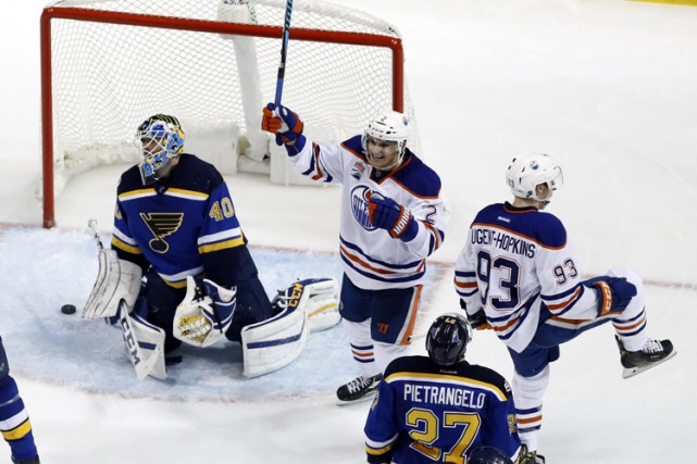 Ryan Nugent-Hopkins a marqué à 2:55 en prolongation, permettant aux Oilers... (PHOTO AP)