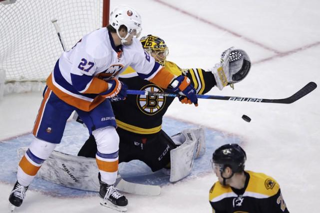 Anders Lee a marqué deux fois et les Islanders de New York ont eu raison des... (PHOTO AP)
