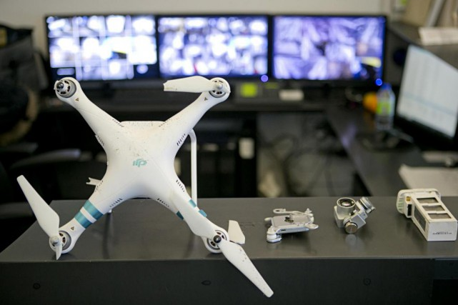 Un drone d'1,2 kg s'est écrasé hier dans... (PHOTO DAVID BOILY, LA PRESSE)