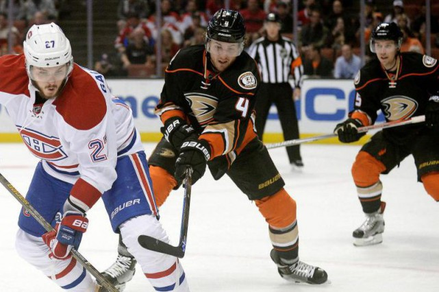 Cam Fowler (4) connaît un excellent début de... (photo Gary A. Vasquez, archives USA TODAY Sports)