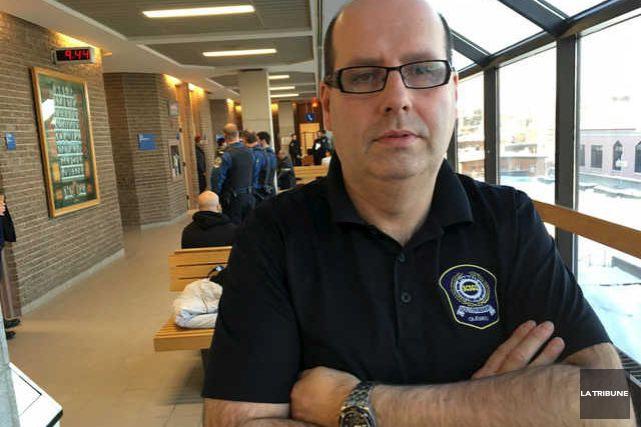 Devant la crainte de certains membres d'être emprisonnés pour outrage au... (La Tribune, René-Charles Quirion)