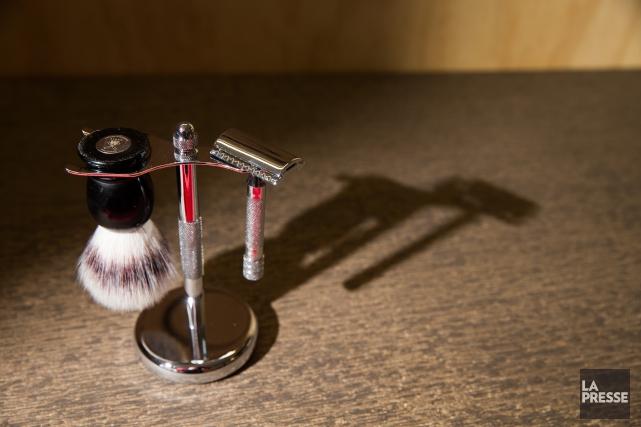 Le retour au rasoir à l'ancienne s'accompagne aussi... (PHOTO IVANOH DEMERS, LA PRESSE)