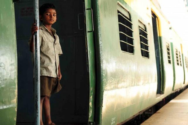 À l'âge de 5ans, Saroo Brierley (Sunny Pawar)... (Fournie par Les Films Séville)