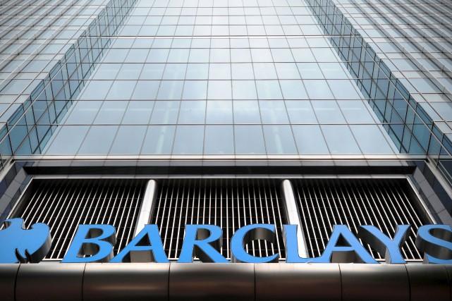 La poursuite accuse la banque britannique Barclayset ses... (AFP)