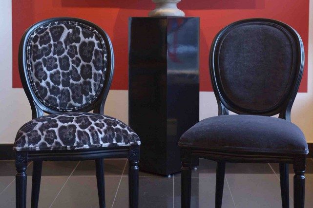 Ces modèles exclusifs de chaises ont été créés par le designer de Québec... (Le Soleil, Yan Doublet)