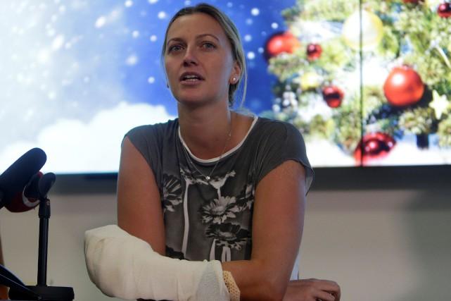 Petra Kvitovaa été touchée aux cinq doigts ainsi... (Photo David W Cerny, Reuters)